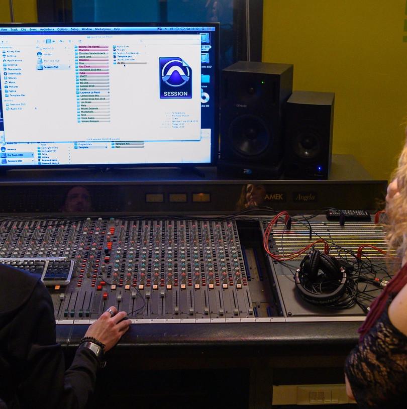 Laurence Lo Presti_en studio.jpg
