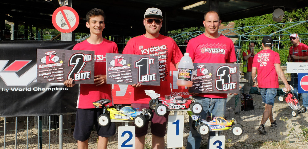 REDS Racing - elliott boots tq and win -Kyosho Masters.jpg