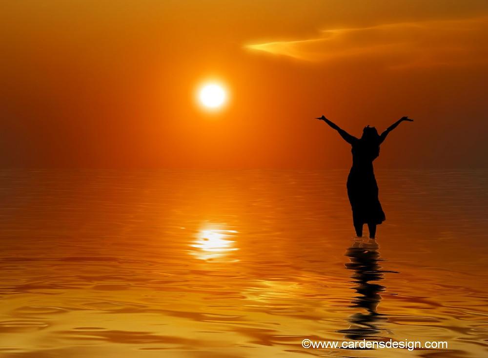woman_in_water_under_sun1.jpg