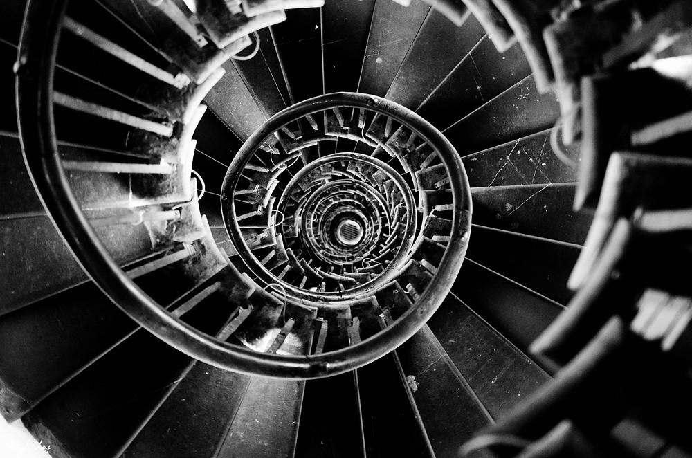 cliche_spiral_stairs_by_kylekc-d6dkbqx.jpg