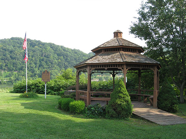oh-belmont-powhatan-point-view-of-park