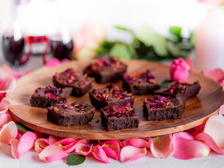 February's Pairing Of Dark Chocolate, Roses And Port