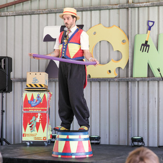Balloon Man at Pawsitive Steps 2019