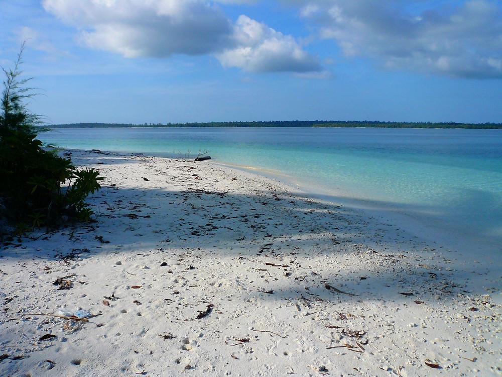 Mini Insel mit Traumstrand! Indonesien