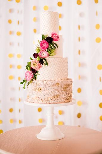 Floral custom wedding cake bakery baker Nesselrod on the New wedding venue Roanoke Virginia Blacksburg VA Radford
