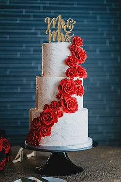 Incredible fondant rose marbled buttercr