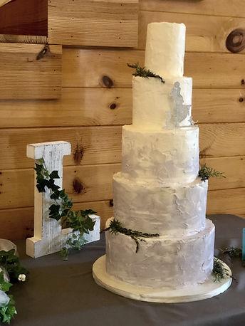 lavendar ombre buttercream wedding cake_
