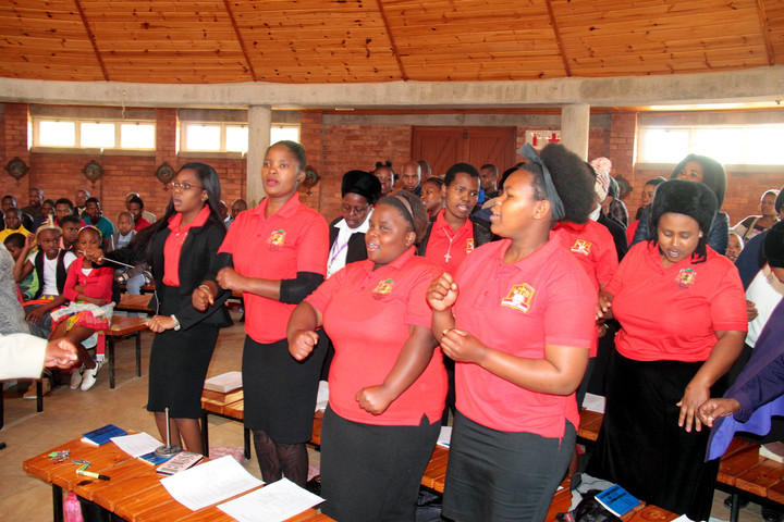 Emaus Youth Choir leads Confirmation celebration