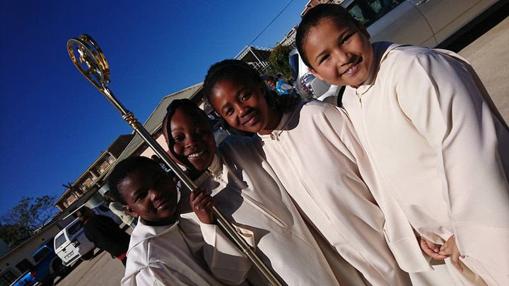 Altar Servers & Students of St Andrews