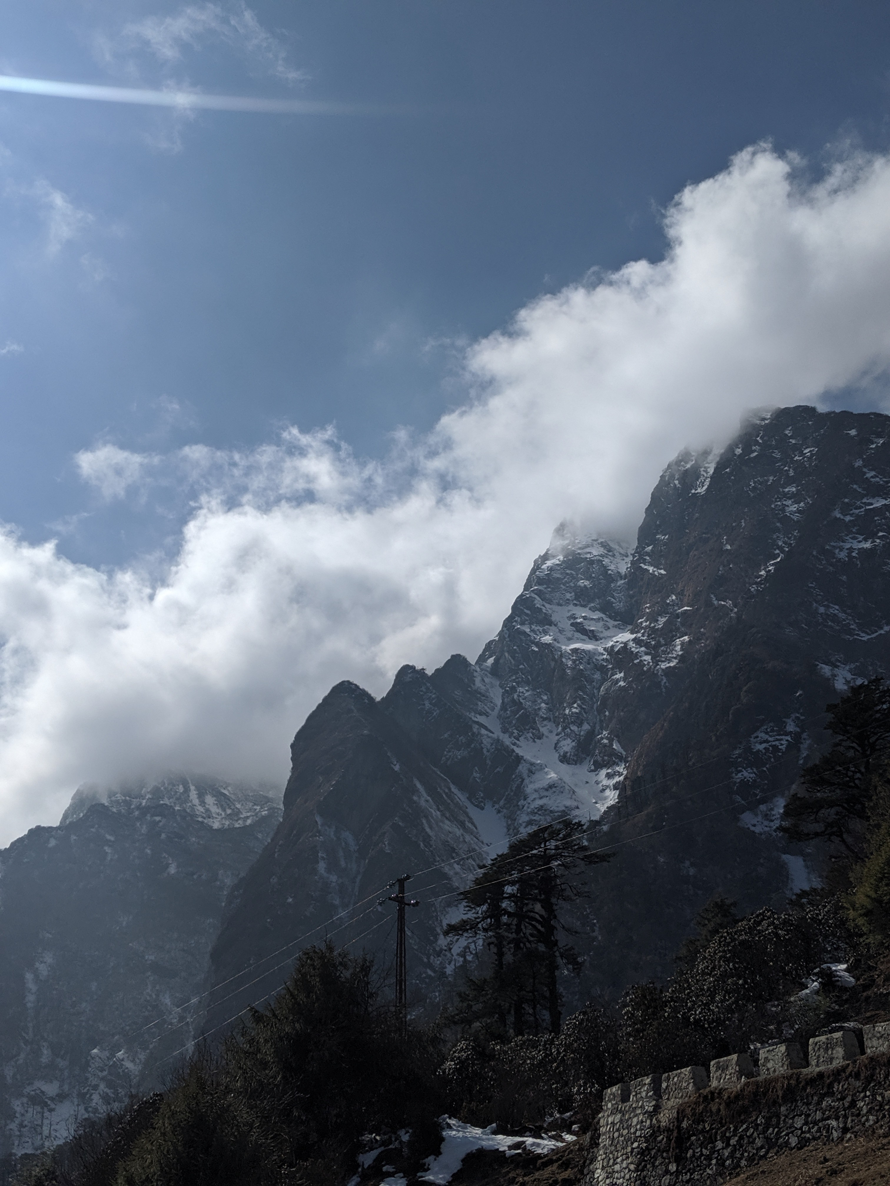 Yumthang Mountain Range