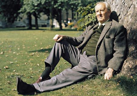 J.R.R. Tolkien - Oksfordo profesorius ir pasaulių kūrėjas