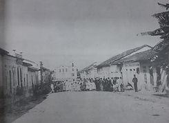 Nas festividades religiosas os alunos tinham destacada participação - Rua Direita, atual R