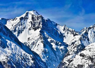 mountains-hero.jpg
