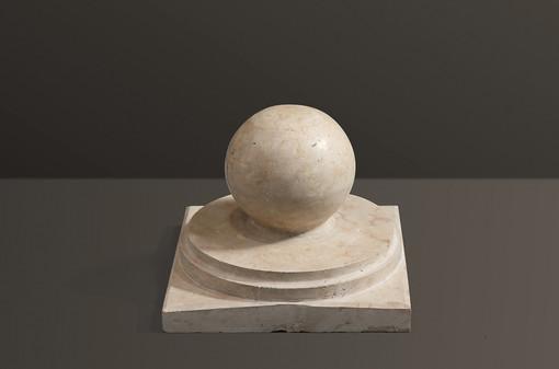 honed-ball-limestone-pier-capjpg