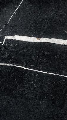 POOIL-VAAISH-VEINED-HONED-LIMESTONE-SLAB_2.jpg