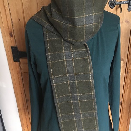 Gorgeous Earth Squared Green checked scarf with velvet trim