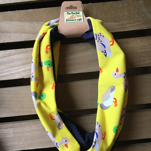 Handy band with adorable duck print