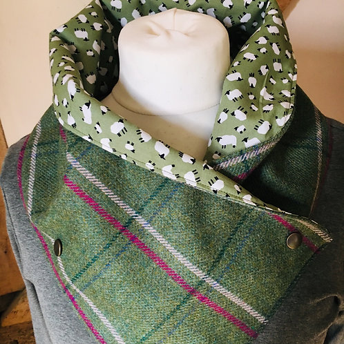 Checked tweed and sheep neck wrap scarf