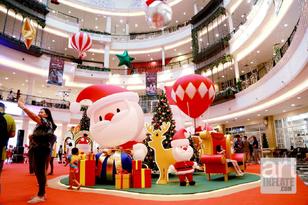 14.Santa Gift Fest-03.png