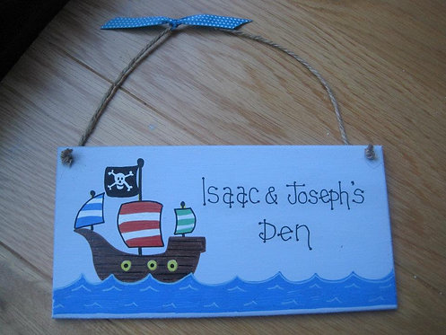 Personalisd pirate bedroom door hanger