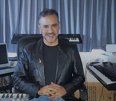 Francisco Benitez, Músico Profesional