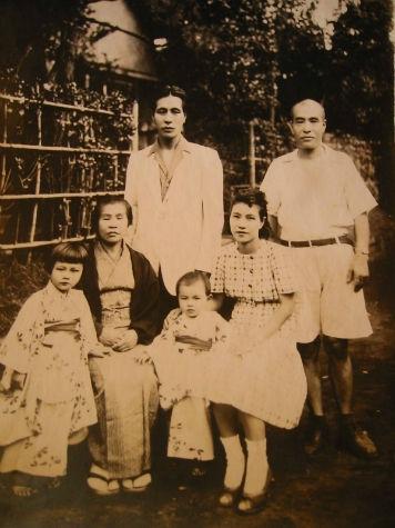 akira_with_yuzaki_family (1).JPG
