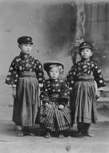 ifukube_brothers_1919.jpg