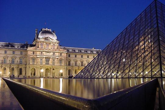 see-du-louvre-pyramid-1468647.jpg