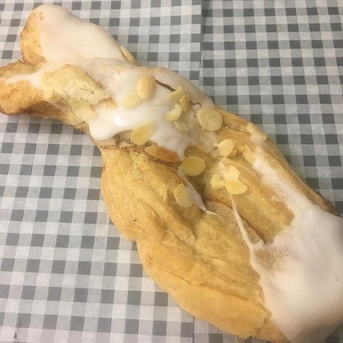 Large Almonds Twist