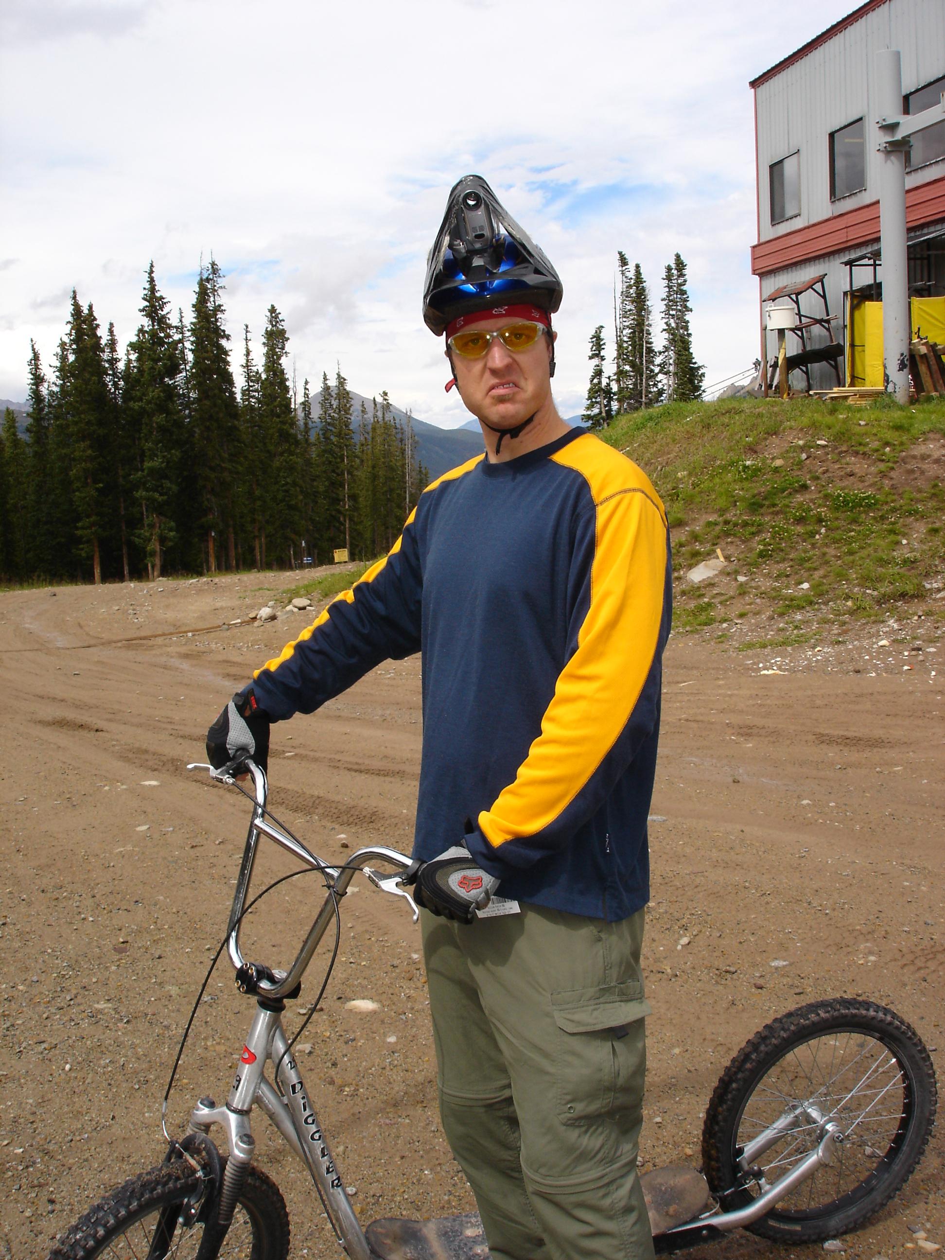 Diggler w/Helmet Cam
