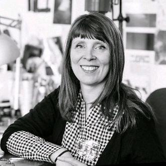 Lisa Arnott, Director of SIlverHub Jewellery School and Studios