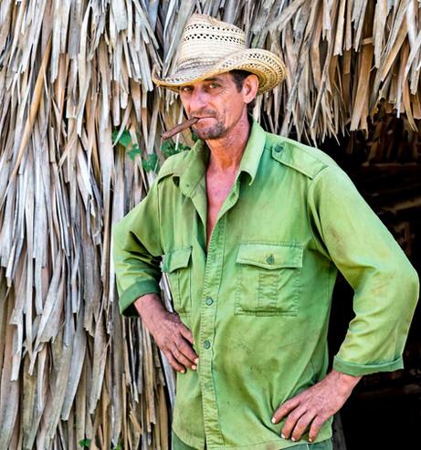 _E7A8624 Farmer with cigar web ready.jpg