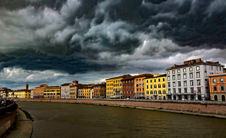_E7A6772 Storm clouds over the Arno Rive