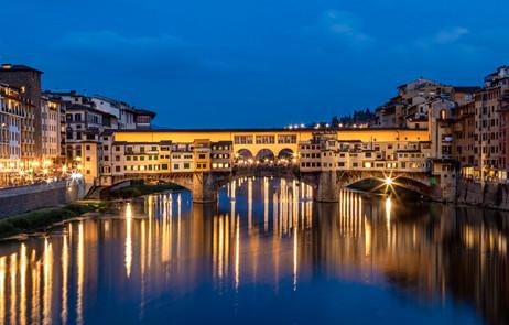 _Y5A8013 Ponte Vecchio at Blue Hour web