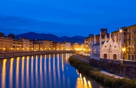 _Y5A8355 Blue Hour in Pisa web ready.jpg