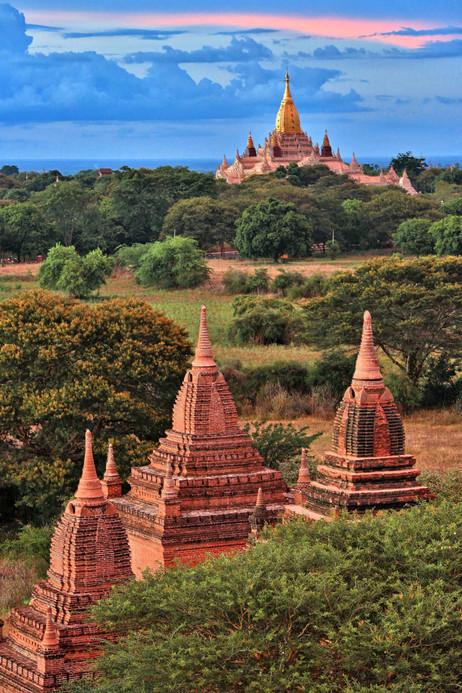 CS5C2335 Temples of Bagan web ready.jpg