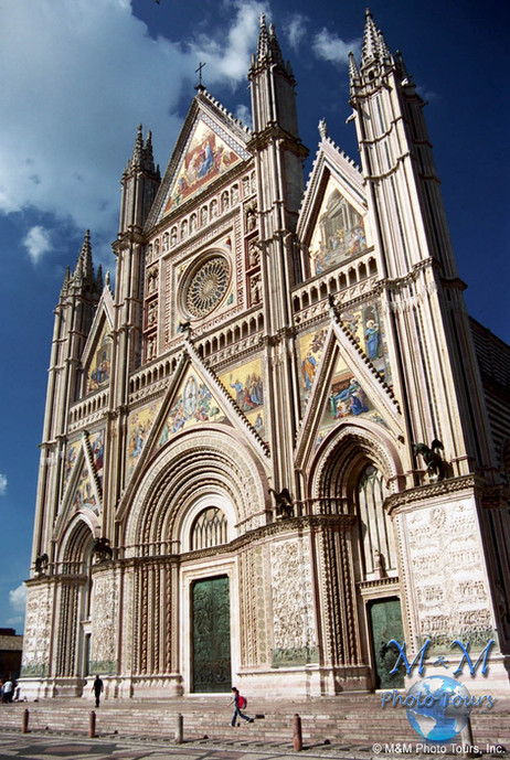 Cathedral in Orvieto, Italy (6).jpg