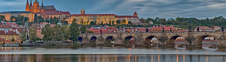 _E7A1153 Prague early dusk web ready.jpg