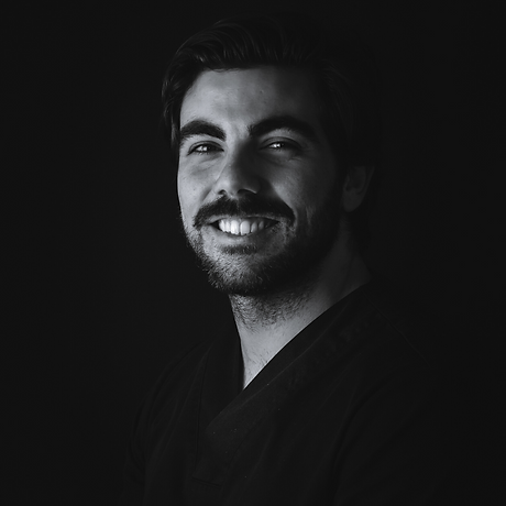 Dr-Gustavo-medico-dentista.png