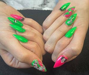 Nails green_edited.jpg
