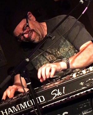 Dave Mehrwein Club Fox V22.jpg