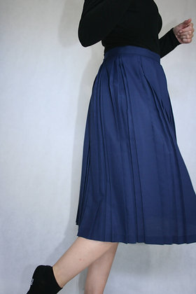 Dark blue skirt, size M