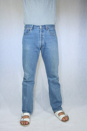 501 Levi's, lighter blue w33 L32.