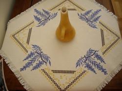 Carina-embroidery (Ω33)