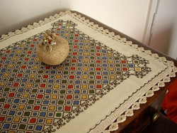 Carina-embroidery (Ω32)