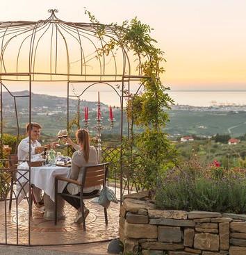 romantic-dinner-with.jpg