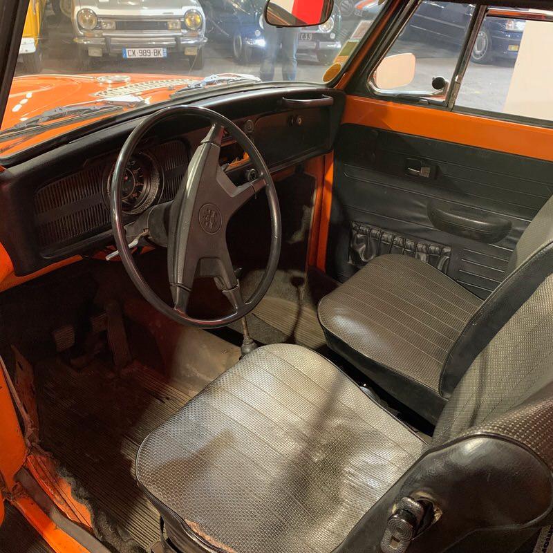 VW Cox cabriolet planche de bord.jpeg
