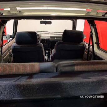 205 GTI vue interieur arriere.jpeg