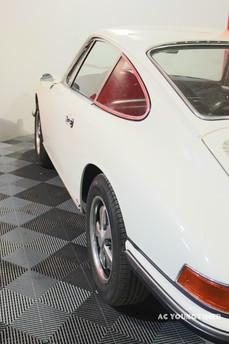 Porsche_911_L_profil_latéral_droit.jpg
