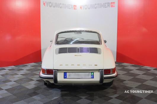Porsche 911 L  face arriere.jpeg